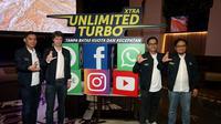 Chief Marketing Officer XL Axiata David Arcelus Oses (kedua kiri) meluncurkan fitur Xtra Unlimited Turbo di aplikasi MyXL (Foto: Dok. XL Axiata)