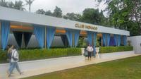 Club Monaco yang berada di kawasan D'Monaco Yogyakarta menawarkan sensasi nongkrong ala eksekutif untuk kalum milenial dengan harga bersahabat. (Liputan6.com/ Switzy Sabandar)