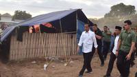 Presiden Jokowi menyambangi korban gempa Lombok, NTB (foto: Biro Pers Kepresidenan)