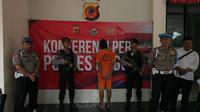 Pelaku sodomi pun mengakui perbuatannya saat ditangkap anggota Polsek Babakanmadang beberapa hari lalu. (Liputan6.com/Achmad Sudarno)