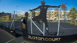 Suasana Zlatan Court di Rosengard, Malmoe, Swedia Selatan (3/5/2016).  Zlatan Court didirikan oleh Nike dan Zlatan Ibrahimovic pada 8 Oktober 2007. (AFP Photo/Jonathan Nackstrand)