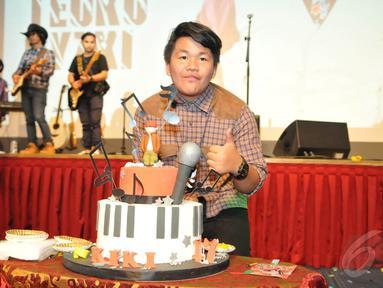 Personel CJR, Kiki, merayakan ulang tahunnya yang ke-17 di Jakarta, Minggu (4/1/2015). (Liputan6.com/Panji Diksana)