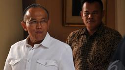 ARB menerangkan pertemuan dirinya dengan elit Golkar hanya pertemuan biasa saja, Jakarta, Senin (25/08/2014) (Liputan6.com/Miftahul Hayat)