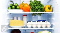 Lakukan ini untuk membersihkan kulkasAnda yang kotor dan berbau. (Foto: Istcokphoto)