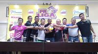 Konferensi pers jelang partai grand final Proliga 2019 di GOR Amongrogo, Kota Yogyakarta, Jumat (22/2/2019). (Bola.com/Vincentius Atmaja)