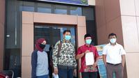 Empat dari enam tergugat memasukan gugatan ke PTUN Samarinda, Rabu (27/1/2021).