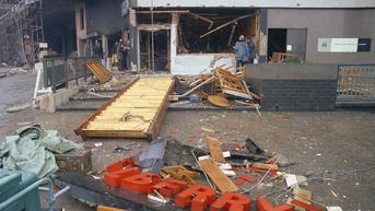 19 Oktober 1989: Guildford Four Dibebaskan Usai 15 Tahun Dipenjara Terkait Pemboman IRA
