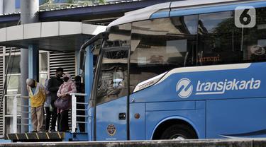 FOTO: PSBB Transisi, Jumlah Penumpang Transjakarta Naik 22 Persen