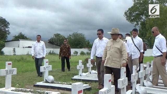 Mengawali kunjungannya ke NTT Capres nomor urut 2 Prabowo Subianto berziarah ke TMP Seroja di Atambua. Prabowo berziarah ke makam Panglima Pro Integrasi Joao Tavares