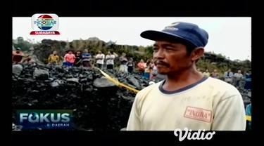 Sopir angkutan tambang semeru tewas tertimpa batu besar di lokasi tambang pasir aliran lahar Gunung Semeru Lumajang, Jawa Timur. Sebelum tewas korban berniat untuk turun ke aliran sungai namun batu besar yang berada di atas runtuh dan menimpa korban.