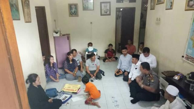 Mengenal Struktur Organisasi Kerajaan Ubur-Ubur di Banten