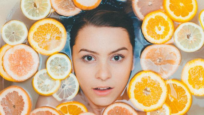 Menurut Dermatolog, Ini 5 Kebiasaan Buruk yang Kerap Terjadi dalam Perawatan Kecantikan Kulit