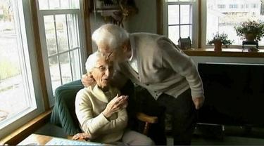 3 Pasangan Lansia Ini Bukti Pernikahan Langgeng dan Romantis
