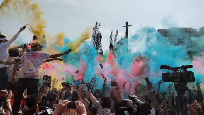 Color Run 2018, Jadi Pahlawan dengan Lari Santai