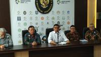 Menko Polhukam Wiranto menggelar rapat bersama KPU, Bawaslu, DKPP, dan Kemendagri membahas mantan napi korupsi jadi caleg di Pileg 2019 (Liputan6.com/ Putu Merta Surya Putra)