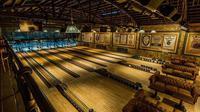 Highland Park Bowling menjadi satu tempat bowling terbaru di Hollywood yang menyajikan kesan klasik secara berbeda, penasaran?