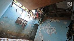Penampakan rumah warga yang rusak akibat terjangan banjir di kawasan  Balekambang, Kramatjati, Jakarta Timur, Selasa (30/4/2019). Sejumlah rumah warga di RT 005/RW 005 Balekambang rusak diterjang banjir yang terjadi pada 27 April 2019 lalu.(Www.sulawesita.com)