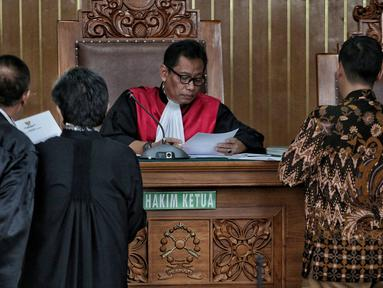 Hakim Agus Widodo memimpin sidang praperadilan Romahurmuziy di Pengadilan Negeri Jakarta Selatan, Senin (6/5/2019). Sidang beragendakan membacakan permohonan atau gugatan yang sebelumnya diajukan mantan Ketum PPP Romahurmuziy usai ditetapkan sebagai tersangka oleh KPK. (Liputan6.com/Faizal Fanani)