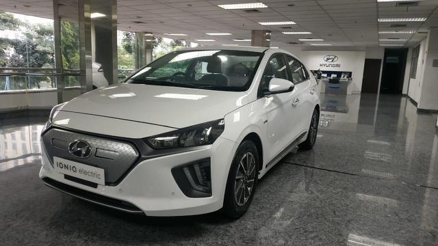 Intip Kecanggihan Hyundai IONIQ EV, Mobil Listrik dengan Teknologi Fast Charging