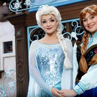 Anna and Elsa Meet and Greet. Sumber foto: Document/HKDL.