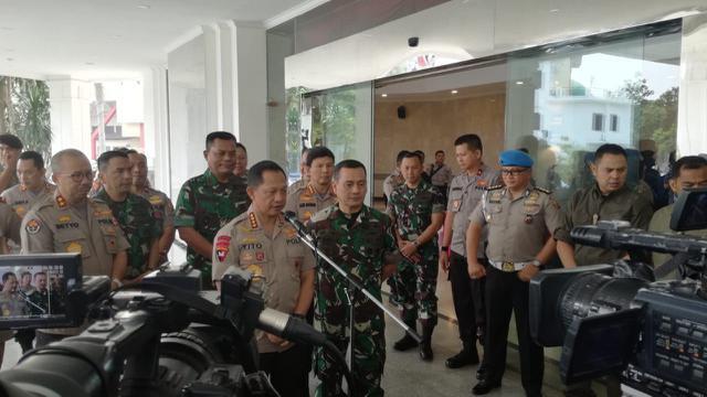 Polri dan TNI melaksanakan rakor dalam rangka mengamankan Pemilu 2019.