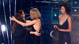 Selena sendiri baru-baru ini melakukan live di Instagramnya dan menjawab pertanyaan penggemar tentang Taylor Swift. (RICH POLK / GETTY IMAGES NORTH AMERICA / AFP)