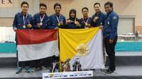 Tim robotik UGM yang memenangkan kompetisi dunia. (Foto: Dream.co.id)