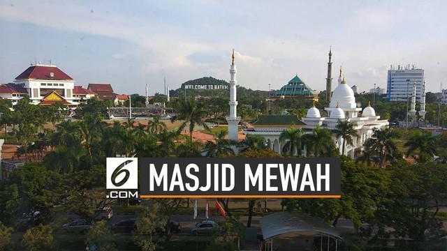 Pemkot Batam punya masjid ikonik, Masjid Sultan Mahmud Riayat Syah Batam.