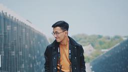 Tak jarang, pria kelahiran 2000 ini mengunggah foto OOTD-nya di Instagram. (Liputan6.com/IG/@ariefmeivio)