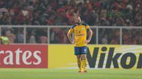 Pemain Tampines Rovers, Fahrudin Mustafic saat melawan Persija Jakarta pada laga Piala AFC 2018 di Stadion Utama GBK, Senayan, Jakarta (28/2/2018). Persija menang 4-1. (Bola.com/Nick Hanoatubun)
