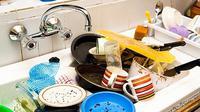 Berikut ini kebiasaan buruk dalam rumah yang perlu segera Anda ubah. Bukan hanya masalah yang datang, Anda pun bisa terkena penyakit.