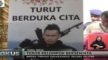 Brimob Firman, korban penembakan teror kelompok kriminal di Papua, telah dimakamkan. Brimob Firman meninggalkan istrinya yang tengah hamil.