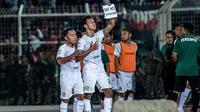 Winger Persebaya Surabaya Osvaldo Haay merayakan gol ke gawang Perseru Badak Lampung di Stadion Sumpah Pemuda, Selasa (20/8/2019). (Persebaya)