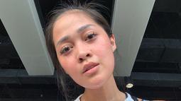 Selain disibukan dengan syuting, artis sekaligus presenter ini dikenal punya gaya hidup sehat dengan rajin berolahraga. Saat berolahraga, Gracia Indri tampil natural tanpa makeup. Dengan wajah masih berkeringat, ia tetap terlihat memesona. (Liputan6.com/IG/@Gracia Indri)