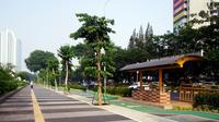 DKI Jakarta terus mengenjot revitalisasi trotoar.