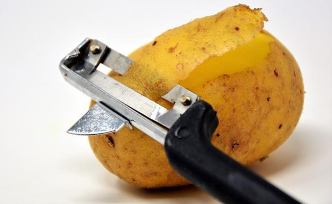 Mengupas kulit sayuran sama dengan membuang nutrisinya/copyright Pixabay.com/Capri23auto