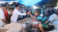 Calon Gubernur (Cagub) Jawa Timur nomor urut 2, Saifullah Yusuf atau Gus Ipul berkomitmen meningkatkan pelayanan fasilitas kesehatan rumah sakit dan pasar di Pulau Madura Jawa Timur.