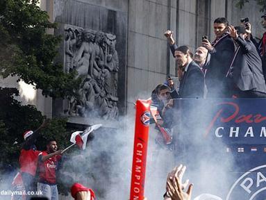 Paris Saint-Germain mengelar parade setelah menjuarai Liga Prancis