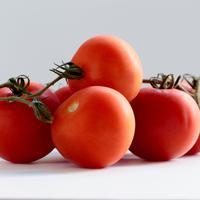 Tomat untuk masker wajah. (Foto: unsplash.com)
