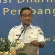 Gubernur Anies Baswedan prihatin dengan pembakaran Mapolsek Metro Ciracas. Pemicunya adalah pengeroyokan anggota TNi oleh juru parkir. Anies Berjanji akan menertibkan lahan parkir di DKI Jakarta
