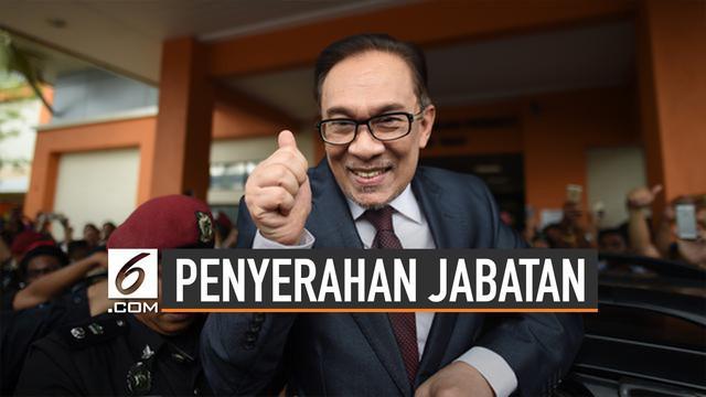 Perdana Menteri Malaysia, Mahathir Mohamad akan serahkan jabatan kepada Anwar Ibrahim. Anwar Ibrahim adalah Presiden Partai Keadilan Rakyat (PKR).