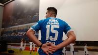 Bek Persib, Fabiano Beltrame, memilih nomor punggung 15. (Bola.com/Erwin Snaz)
