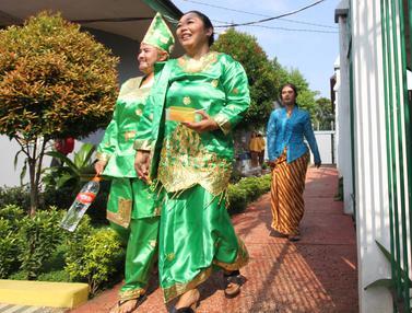 Pakai Busana Tradisional, Penghuni Lapas Wanita Tangerang Gunakan Hak Pilih
