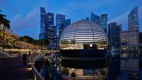 Apple Store mengapung pertama di dunia yang berlokasi di Singapura. (Dok. Apple)
