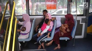Lebaran Hari Kedua, Bus Tingkat Wisata Ramai