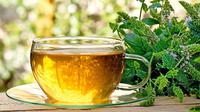 Menyehatkan sekaligus mempercantik, sepertinya Anda bisa mencoba teh peppermint.