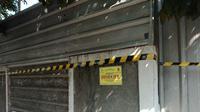 Pemkot Bandung melalui Satpol PP menyegel rumah karya Soekarno