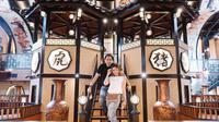 Potret Restoran Ayu Dewi dan Regi Datau. (Sumber: Instagram/mrsayudewi)