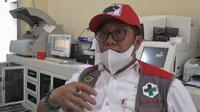 drg Herry Mulyadi saat memberi penjelasan kepada sejumlah jurnalis mengenai kaburnya pasien positif Covid-19 dari RSUD Anutapura Palu, Sabtu (20/6/2020). (Foto:Liputan6.com/ Heri Susanto).