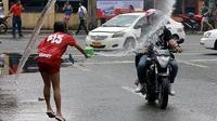 Momen Apes Saat di Jalan Raya (Sumber: 1cak)